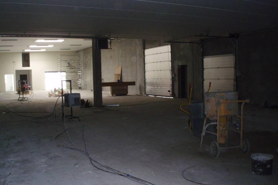 Renovering af lagerhal og butik